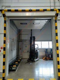 Комплексное решение: Штора противопожарная EI120 и Секционные промышленные ворота в Казахстане