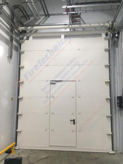 Секционные противопожарные ворота EI60 с калиткой, Казахстан